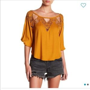 Nwt tiare Hawaii Atlantis crochet lace blouse rust